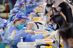 Las vacunas COVID de China se están volviendo globales, pero persisten las dudas